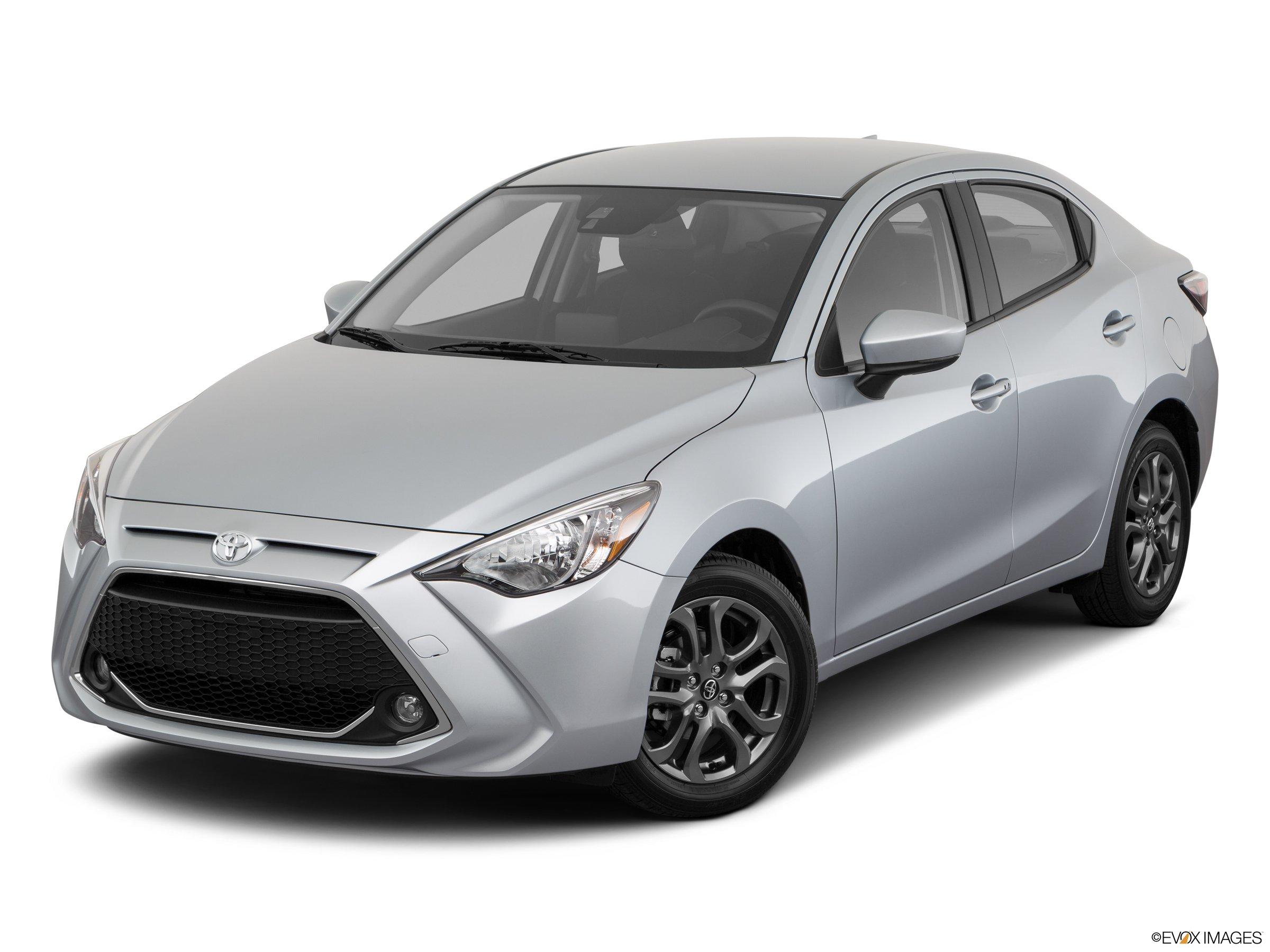 2020 Toyota Yaris LE FWD sedan