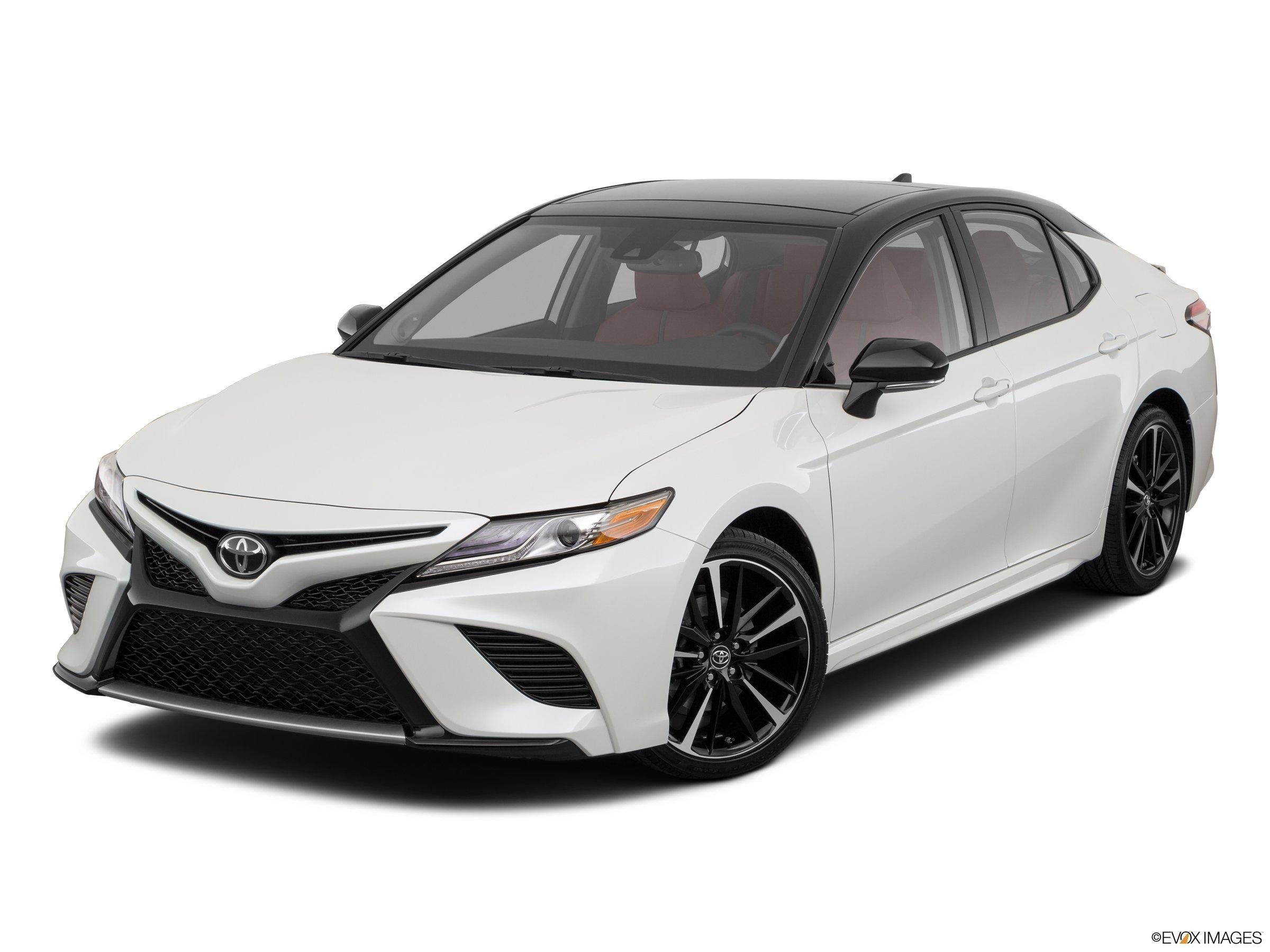 2020 Toyota Camry XSE FWD sedan
