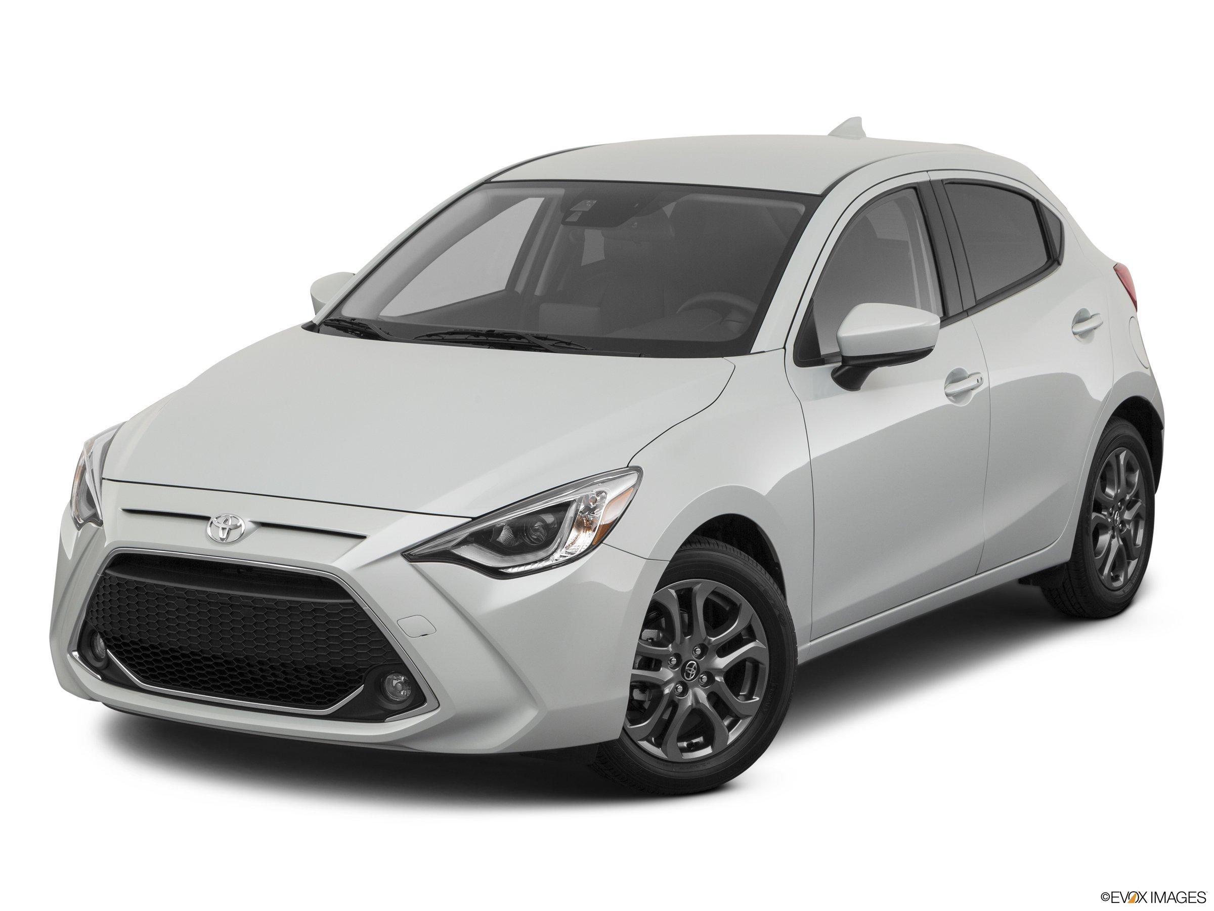 2020 Toyota Yaris XLE FWD hatchback